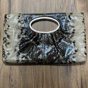 💋Bundle 2/$12💋 Express Snakeskin clutch